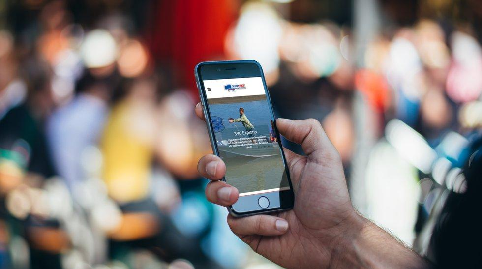 Quintrex.se på en smartphone