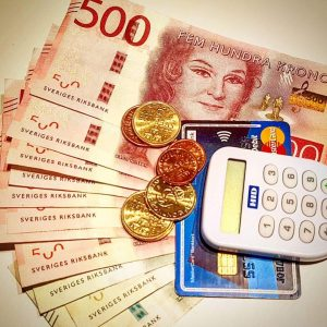 Sedlar, mynt och kontokort, betallösning